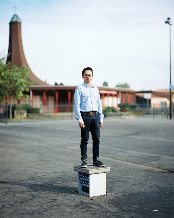 Minh-Tâm Nguyen devant les Percussions de Strasbourg à Hautepierre, photo : Christophe Urbain