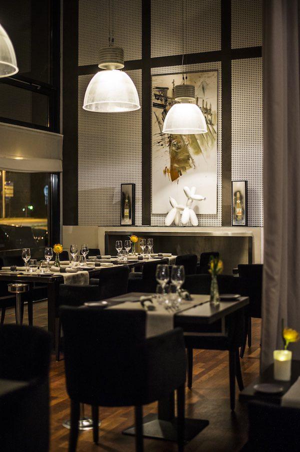 Salle du restaurant Côté Lac à Schiltigheim © Pascal Bastien.