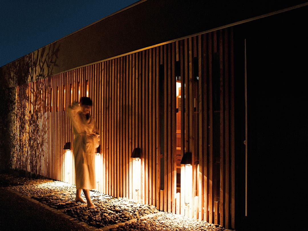 Aménagement extérieur de l'hôtel restaurant spa La Source des Sens © Alexis Delon / Preview