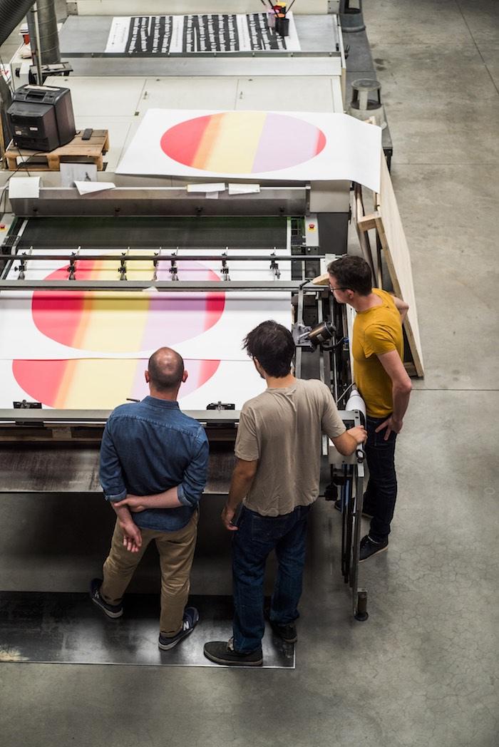 Atelier de sérigraphie Lézard Graphique, impression affiche Jazzdor. © Pascal Bastien