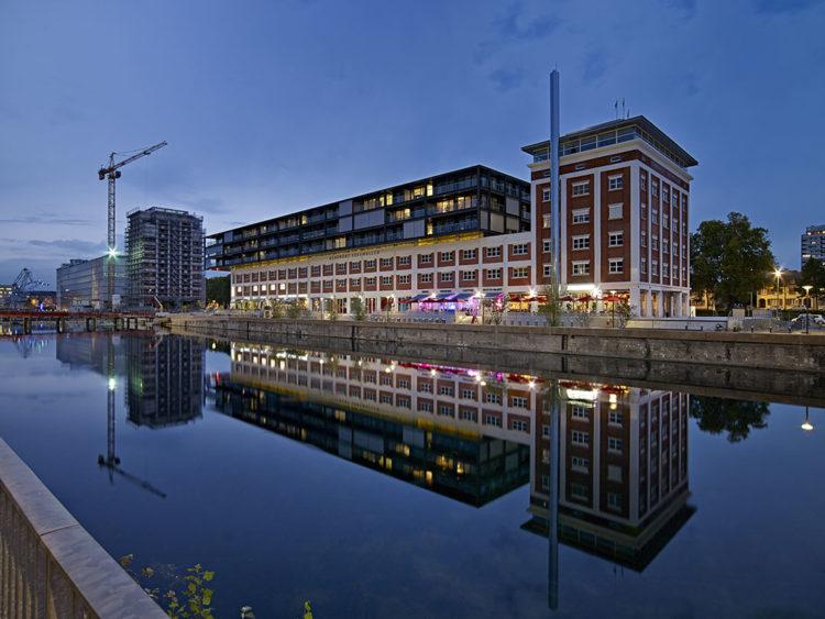 Zut magazine - construction des Docks de Strasbourg. © Stéphane Spach
