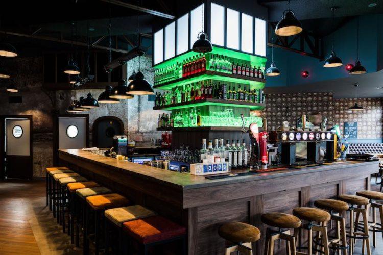 Bar The Jeanie Johnston à Haguenau - © Milan Szypura