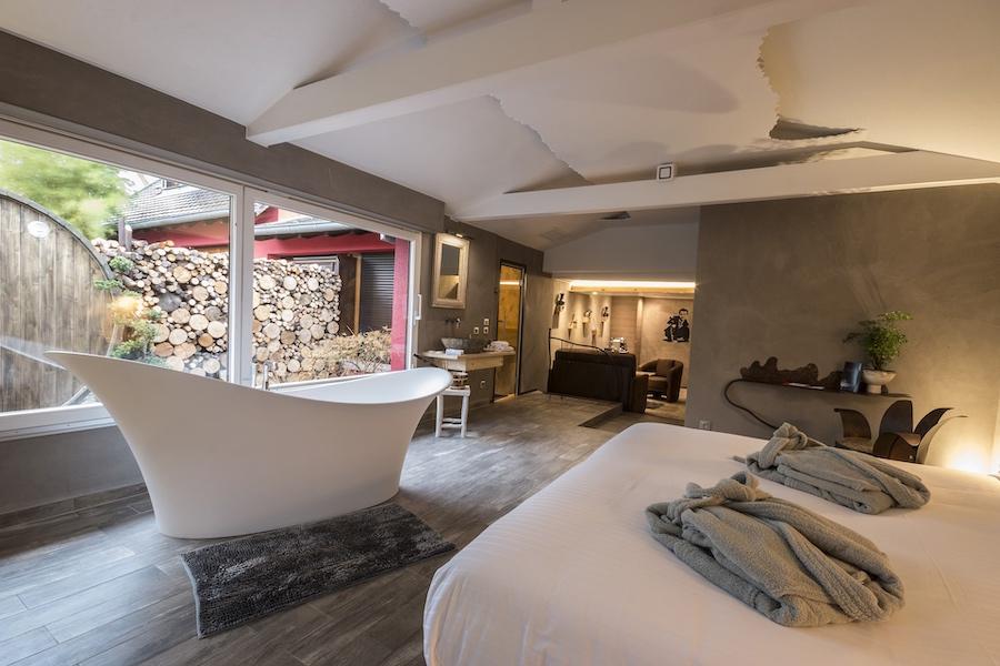 Des chambres à l'ambiance chaleureuse, avec tout le confort moderne.