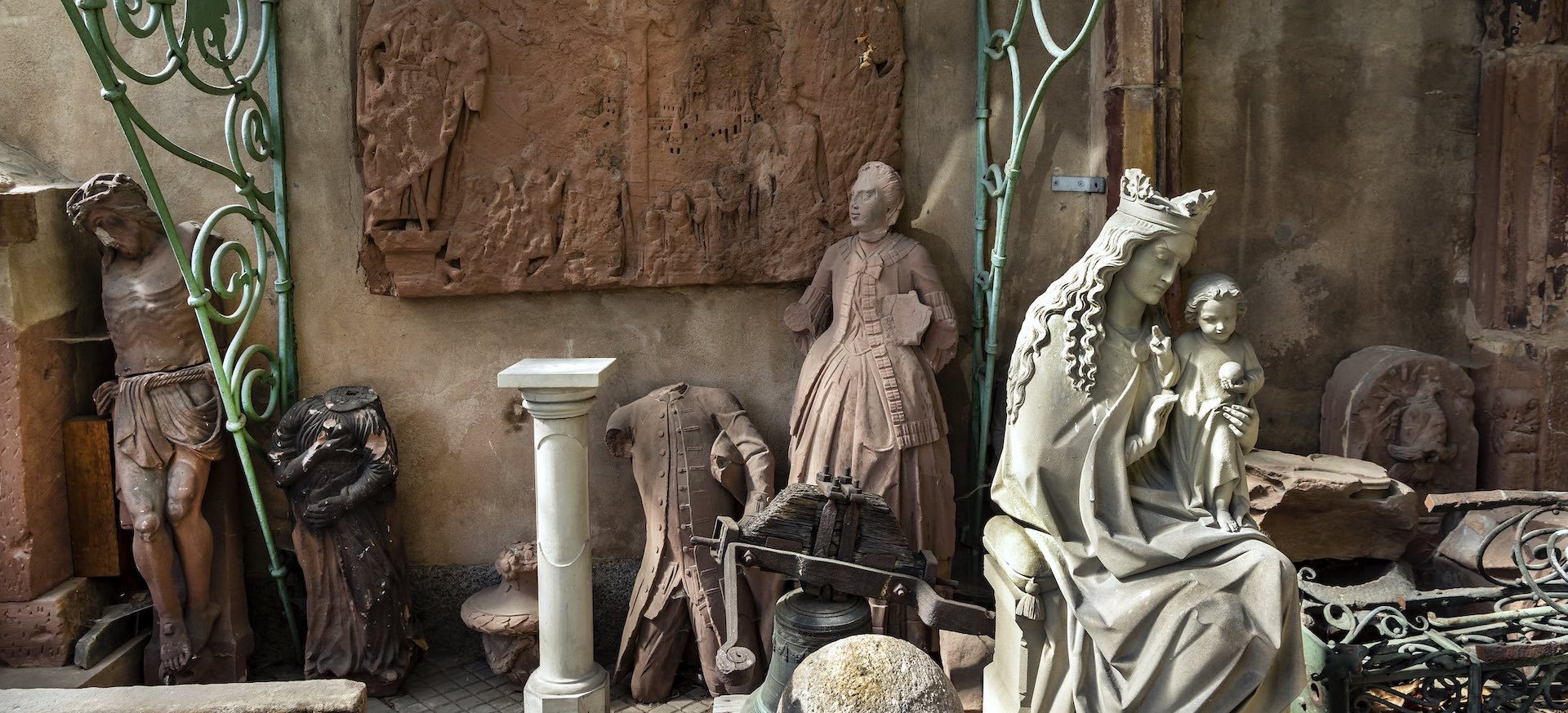 Statues Haguenau © Frantisek Zvardon