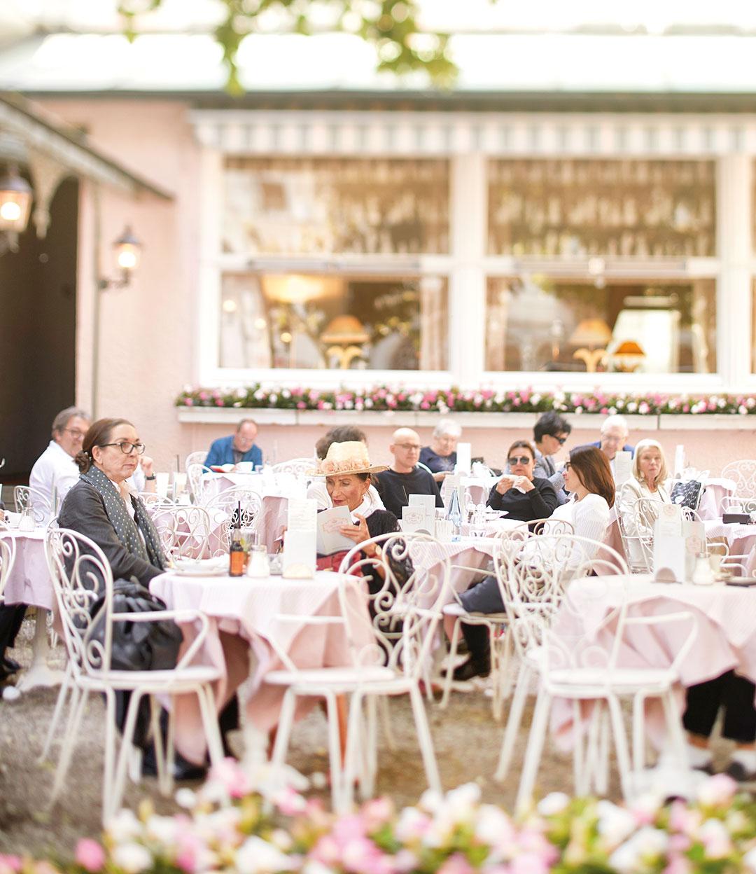 ZUT-MAGAZINE Terrasse du Café König à Baden-Baden ©Alexis-Delon/Preview