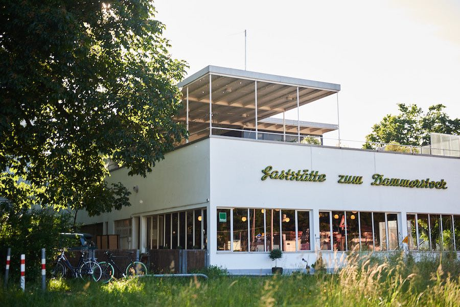 Restaurant Erasmus, cité Bauhaus Dammerstock, Karlsruhe - Photo Arno Kohlem