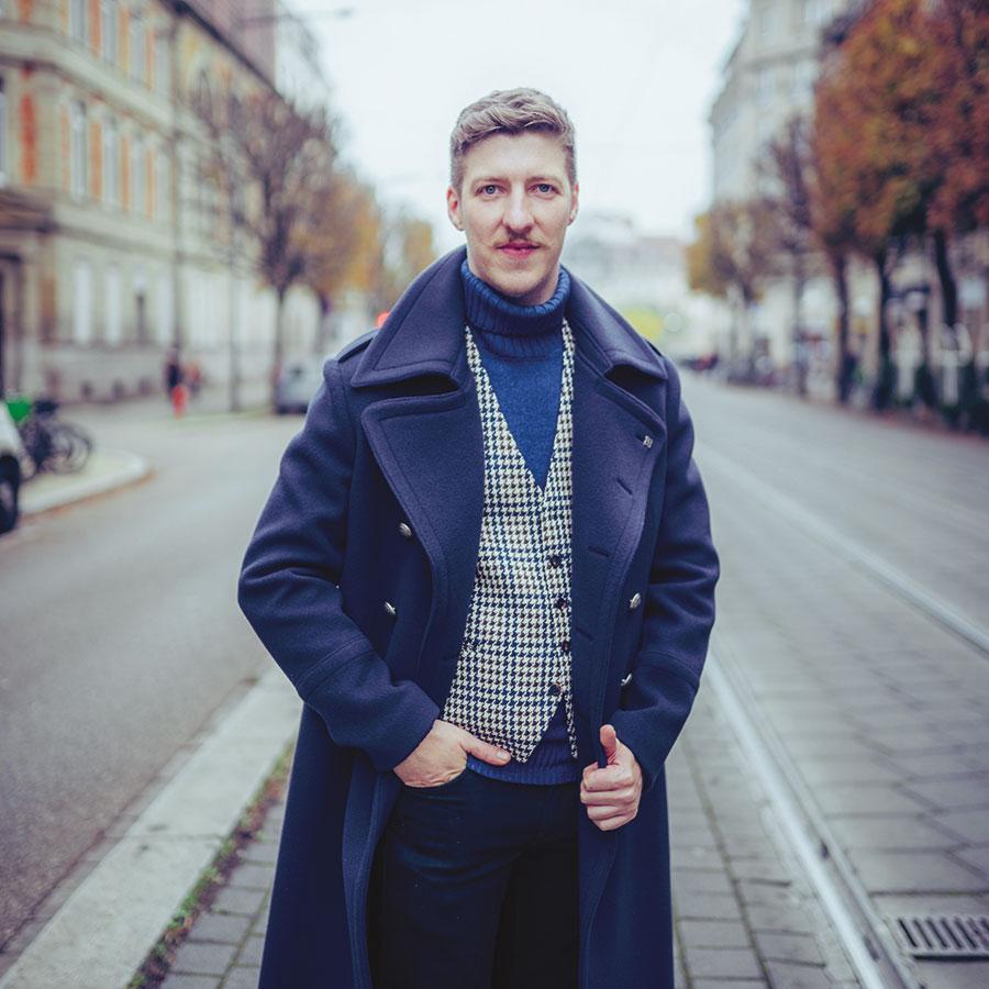 ZUT-MAGAZINE—Sébastien Vonesh, restaurateur, photographié Avenue de la Marseillaise - ©Jesus s. Baptista