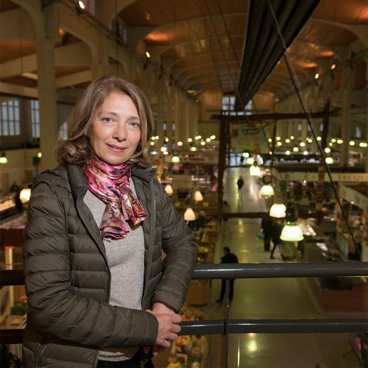 ZUT-OBERRHEIN—Sophie Plawinski, Directrice générale adjointe développement chez Citivia, photographiée au marché ©Sébastien Bozon