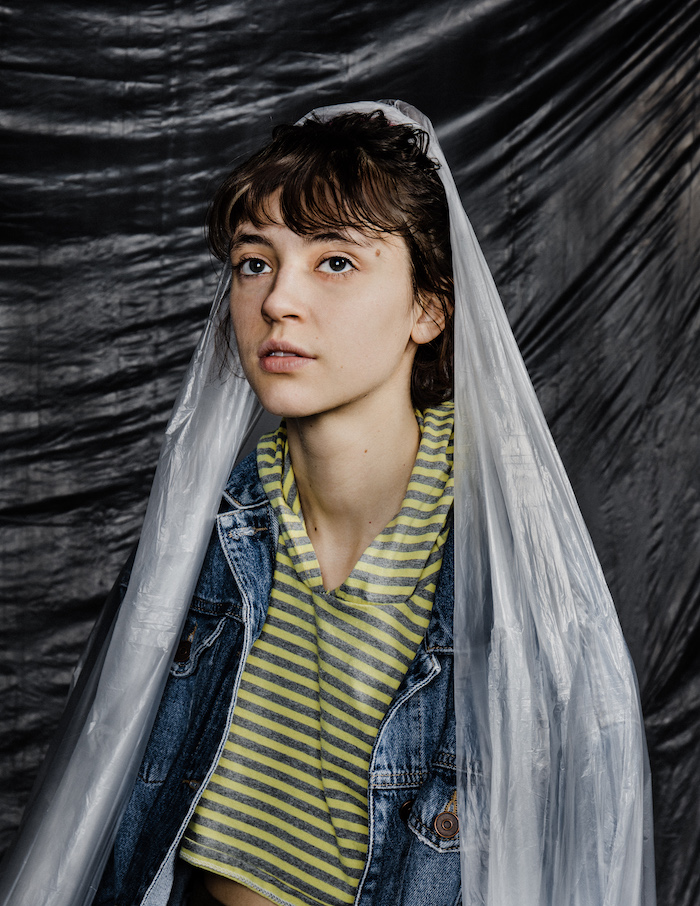 Portrait de la chanteuse Pomme dont l'album est nommé aux Victoires de la musique 2020. © Arno Paul