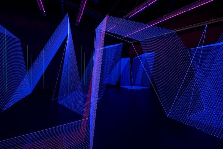Vue de l'œuvre Pulse of Heart dans l'exposition Le Pouls de la Terre de l'artiste Jeongmoon Choi, au FRAC Alsace.
