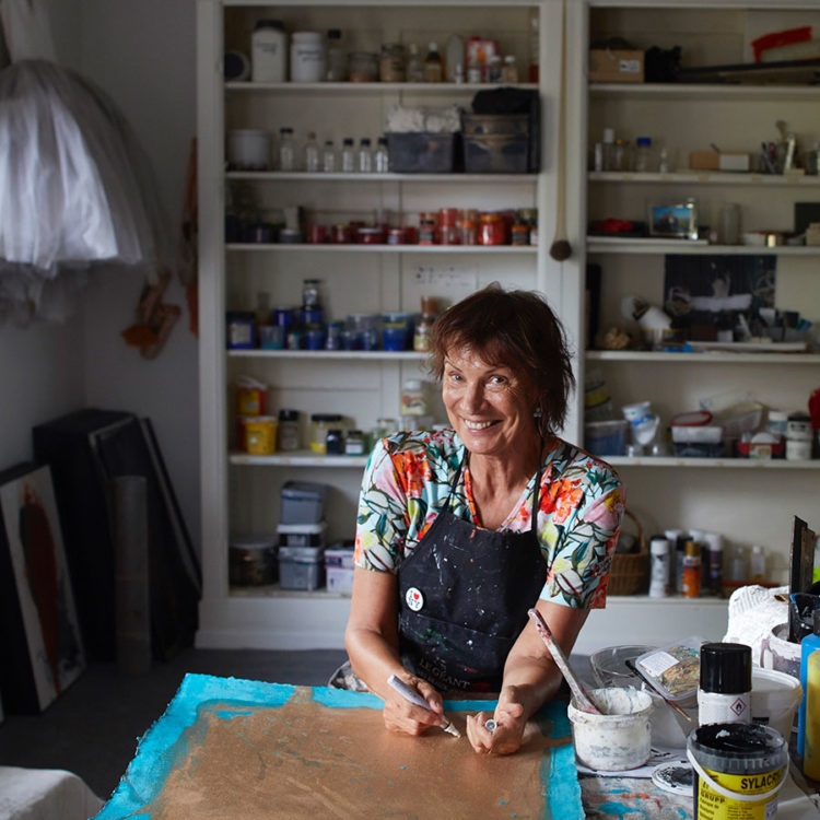 ZUT-HAGUENAU—Marilou Jung, scientifique et artiste peintre, photographiée dans son atelier ©Estelle Hoffert