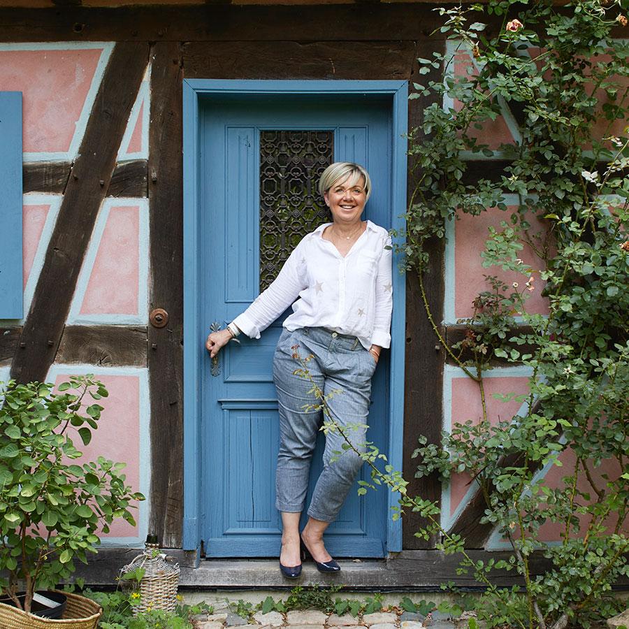 ZUT-HAGUENAU—Yolande Jung, assistante de direction à Fenêtres Jung, photographiée au restaurant Les Jardins du Moulin ©Estelle Hoffert