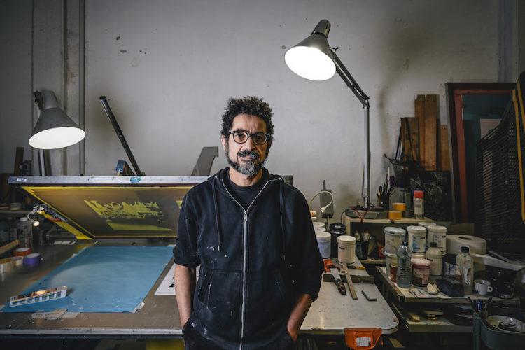 Fathi Khémissi dans son atelier