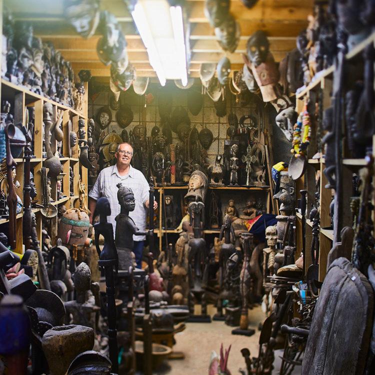 ZUT-HAGUENAU_et_alentours—VUPAR—Mathieu_Barth, marchand de rêves entre art africain et mobilier indien. ©Alexis_Delon
