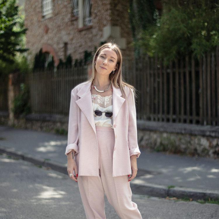 ZUT-LORRAINE—Elena Legros, fondatrice de la boutique d'échange de vêtements Elanavriin, photographiée dans le quartier Saurupt ©William Henrion