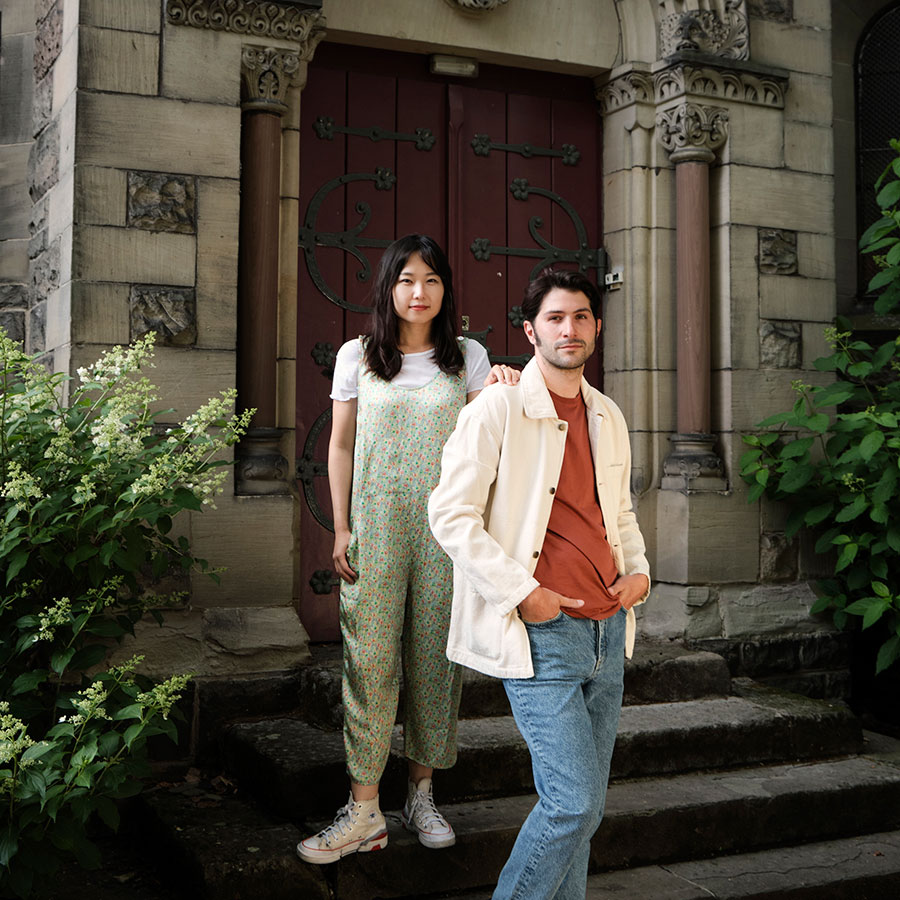 Jin Sun Son et Pierre Funes, Fondateurs de la Galerie PJ, photographiés dans je Jardin d'Amour. ©Alice Petit