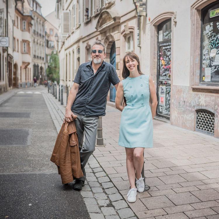 ZUT-STRASBOURG—Noémie_Chevaux et Fred Tavernier, duo d'artistes amoureux du groupe Outed, photographiés rue de l'Arc-en-ciel. ©Jésus s. Baptista